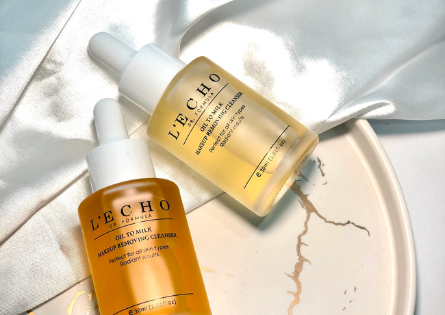 Oil to milk make up removing cleanser