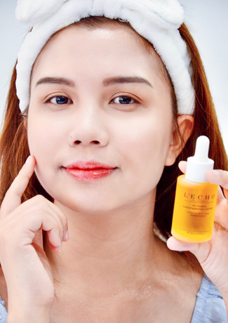 Oil to milk make up removing cleanser plus
