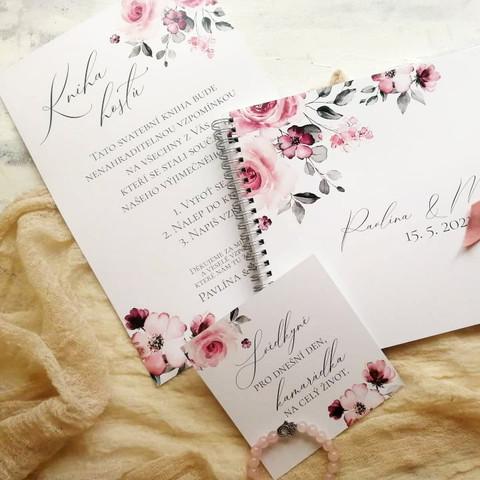 Svatební kniha a kartička pro svědkyni