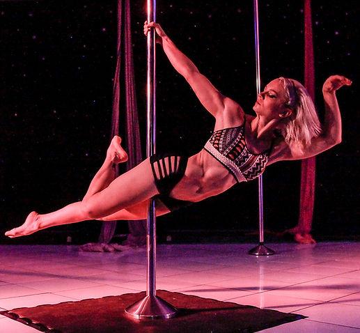 Pole Dance // MOOV Estúdio