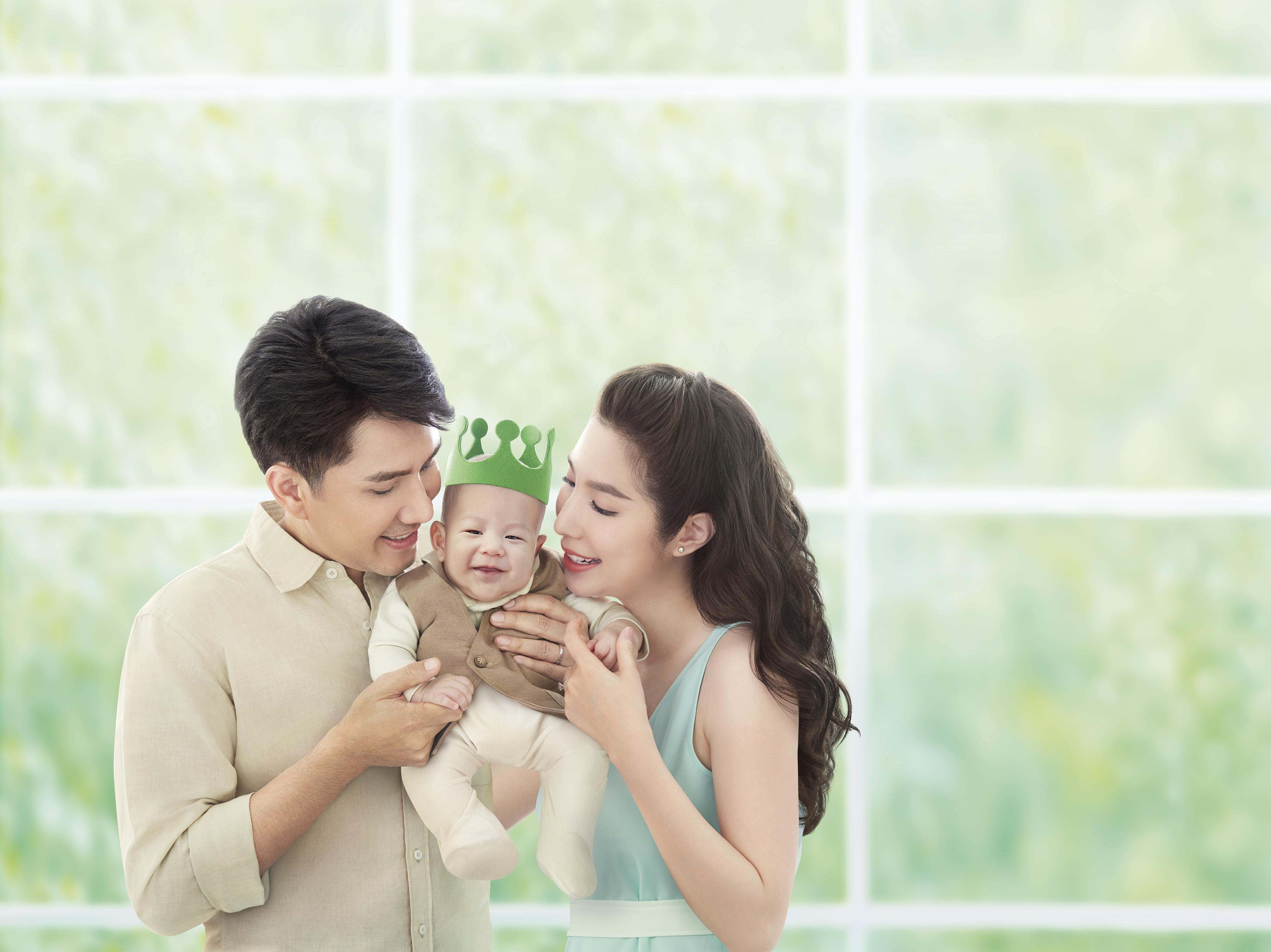 D-nee1_Family