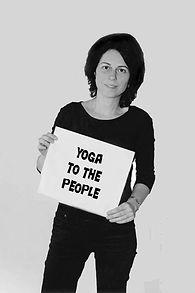 Yoga to the people zwartwit.jpg