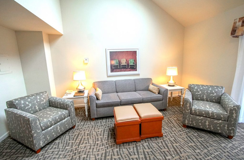 dsc03939-1-bedroom-townhouse-living-room