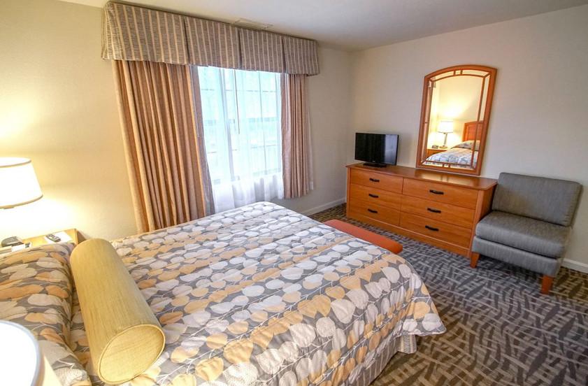 dsc04007-2-bedroom-1024x682jpg
