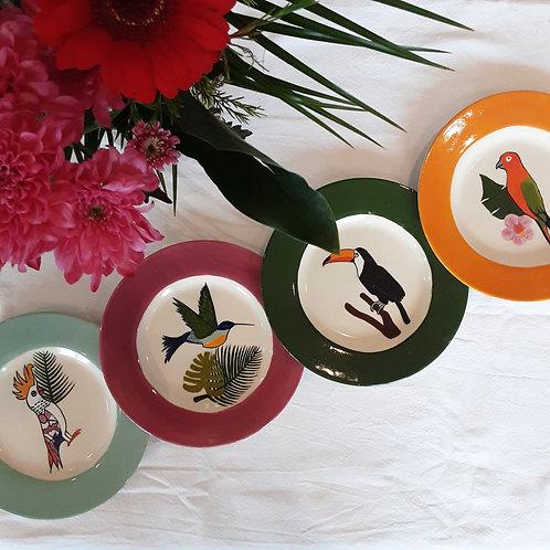 Lot de quatre assiettes Oiseaux exotiques