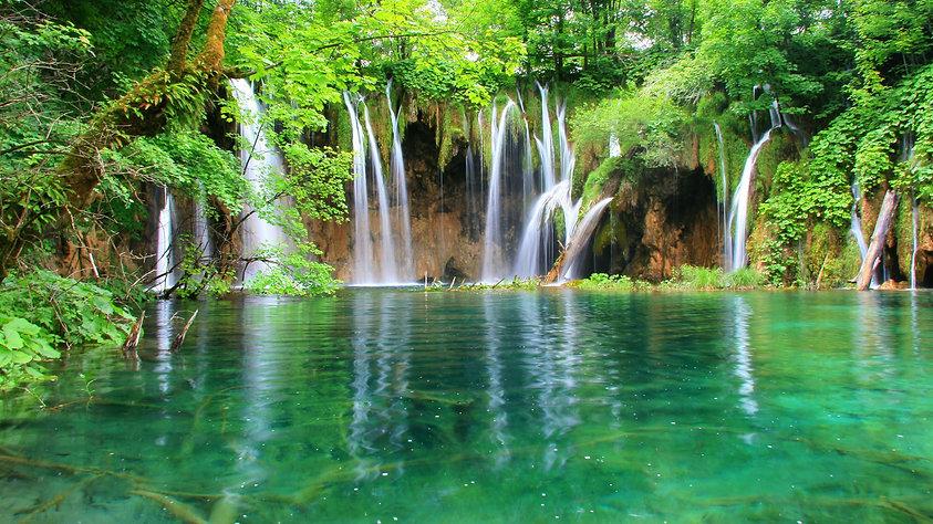 breath-taking-waterfall-wallpaper.jpg