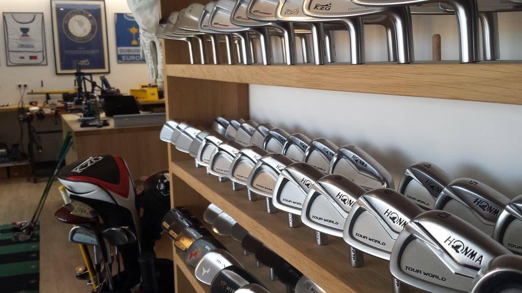 Showroom têtes clubs de golf