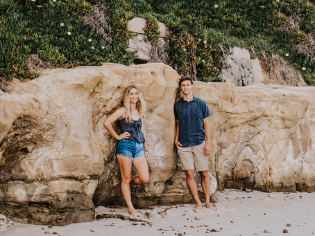 San Diego Photographer has a twin Senior Session