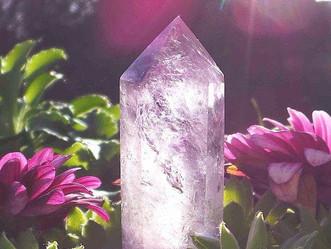 Comment élever sa vibration et celle de sa maison avec les pierres et minéraux ?