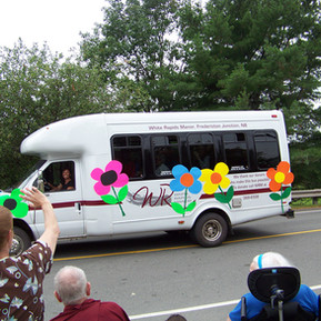 paradebus2.jpg