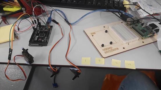 Raspberry Pi sending commands to servo motors through Arduino