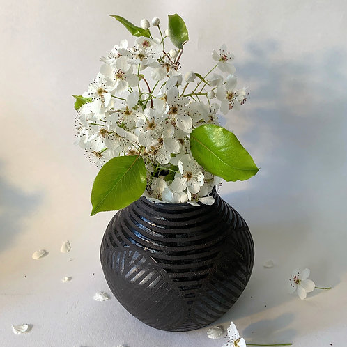 Leaf Vase in Black Clay