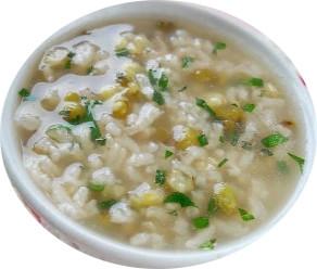 Mungbohne-Reissuppe
