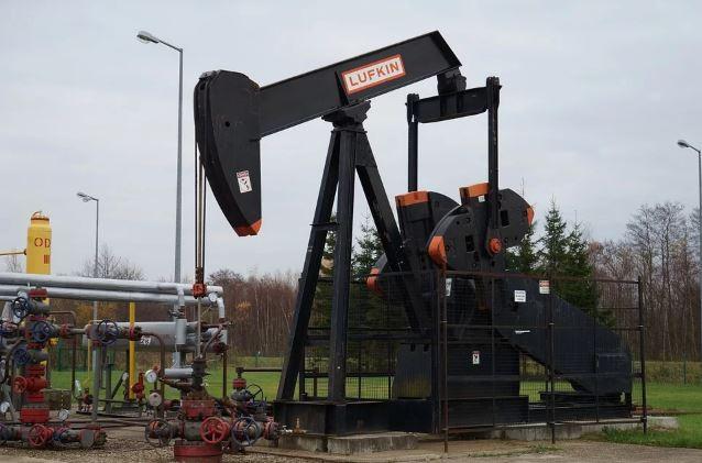 لماذا يقل إنتاج النفط من الآبار مع مرور الزمن