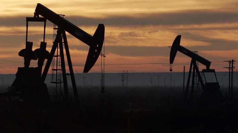 الملك سلمان: سياستنا النفطية تهدف إلى استقرار أسواق النفط وتخدم المنتجين والمستهلكين