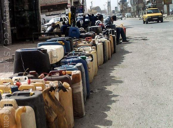 """مع تفشي أزمة الوقود في سوريا اقتراح باستيراد مشتقات النفط بـ """"الروبل"""" الروسي!"""