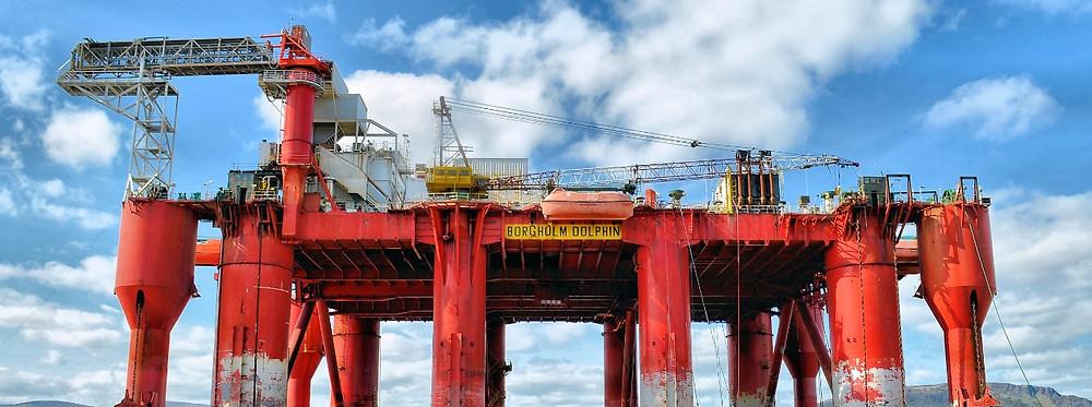 تعافي سعر النفط في ظل هبوط إنتاج روسيا وأمريكا وأوبك للخام