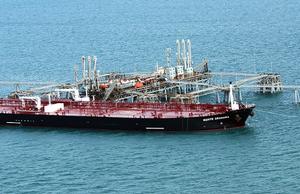 دول الخليج تشدد إجراءات الحماية على منشآتها وناقلاتها النفطية