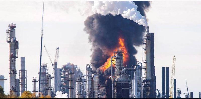 اندلاع حريق في مصفاة لتكرير النفط