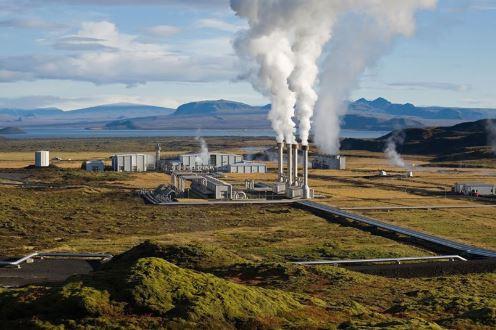 محطة توليد الطاقة الكهربائية بإستخدام الطاقة الحرارية الأرضية في أيسلاندا