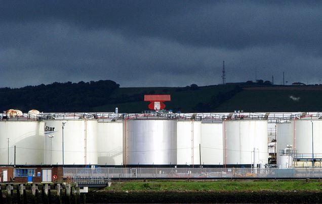 هل هناك فرق بين الاحتياطيات النفطية والمخزون الاحتياطي؟