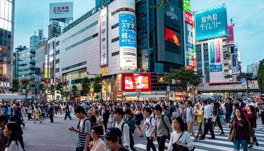 اليابان تبدأ بالاستغناء عن نفط الشرق الأوسط وتتجه للاستثمار في الغاز الطبيعي المسال