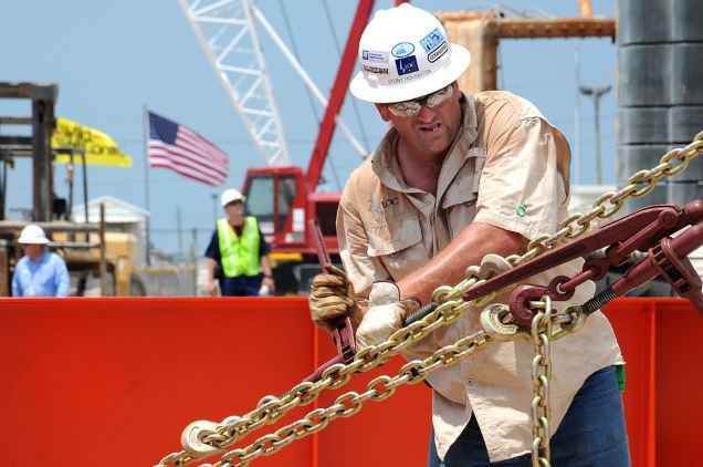 هل اقتربت الولايات المتحدة من تحقيق الاستقلال التام في مجال الطاقة؟