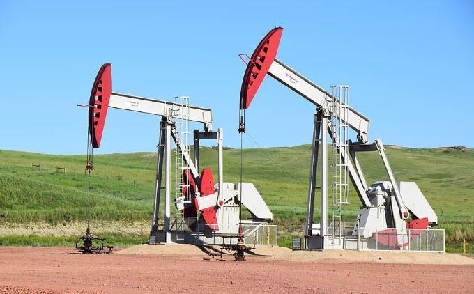 كورونا يهدد شركات النفط الصخري الأمريكي بالإفلاس
