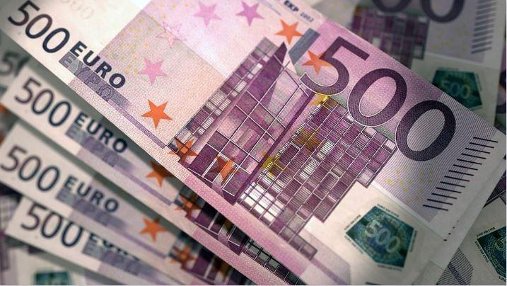 روسنفت الروسية تعقد جميع صفقاتها باليورو للتخلص من هيمنة الدولار