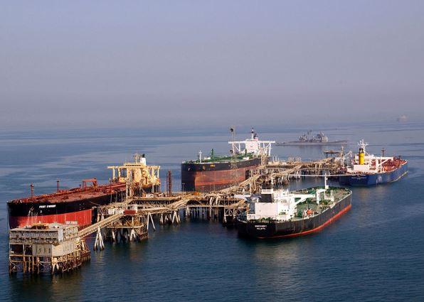 ناقلات النفط في ميناء البصرة العراقي شمال الخليج العربي