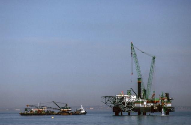 انخفاض في سعر النفط بعد أن بدد ترامب التفاؤل بما يخص محادثات التجارة مع الصين