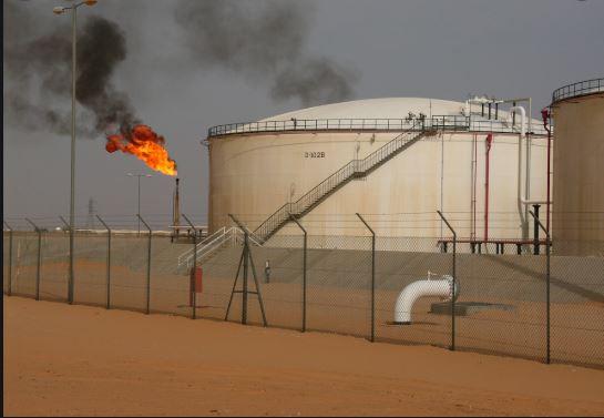 إغلاق أكبر حقل للنفط في ليبيا وتوقعات بانهيار الإنتاج