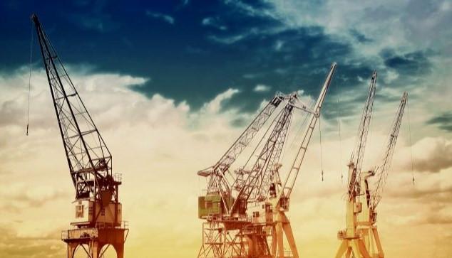 تحسين إنتاج الآبار النفطية