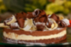 Torta tricolor de chocolate.jpg