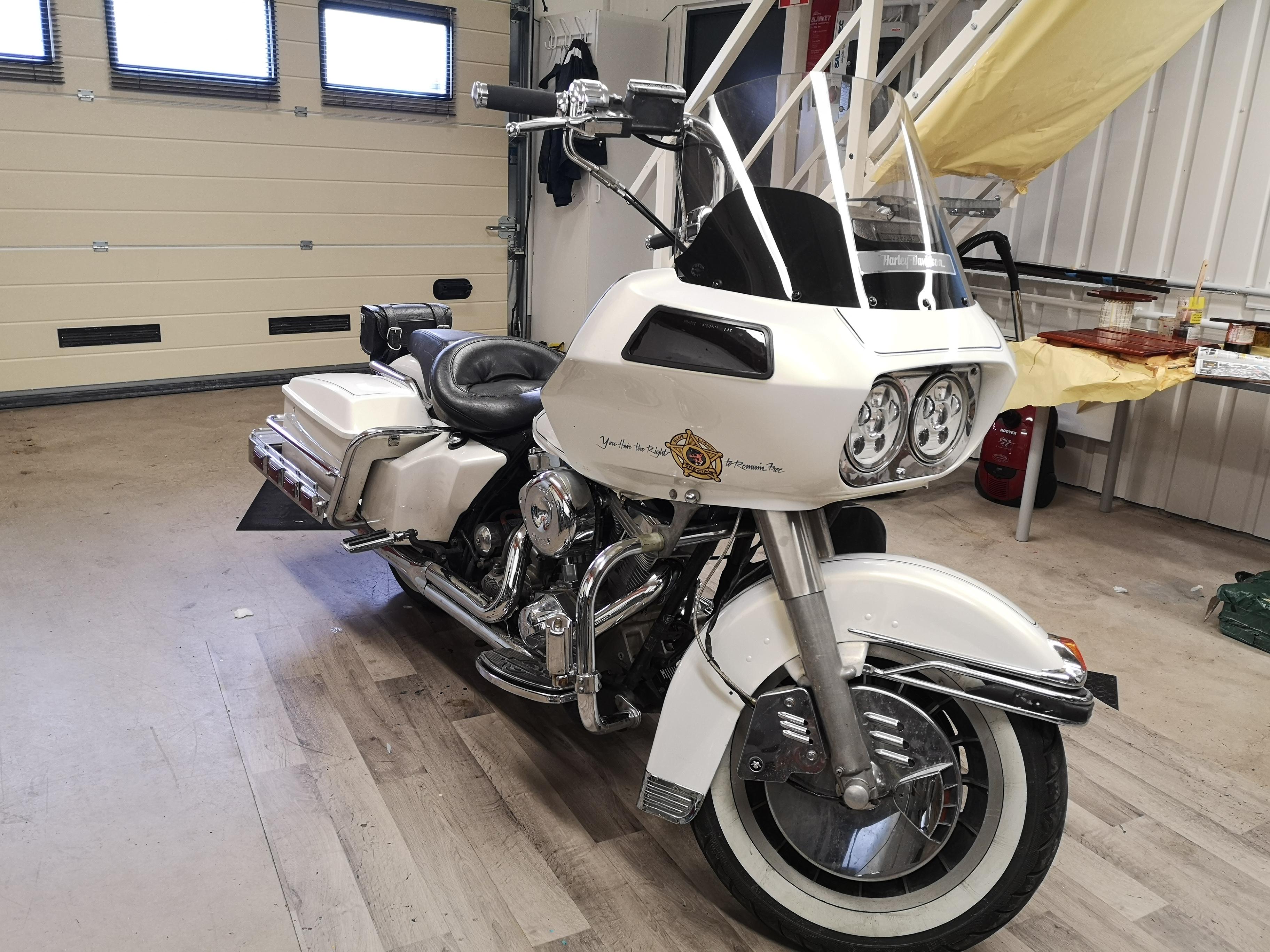 Police Harley Road Hog