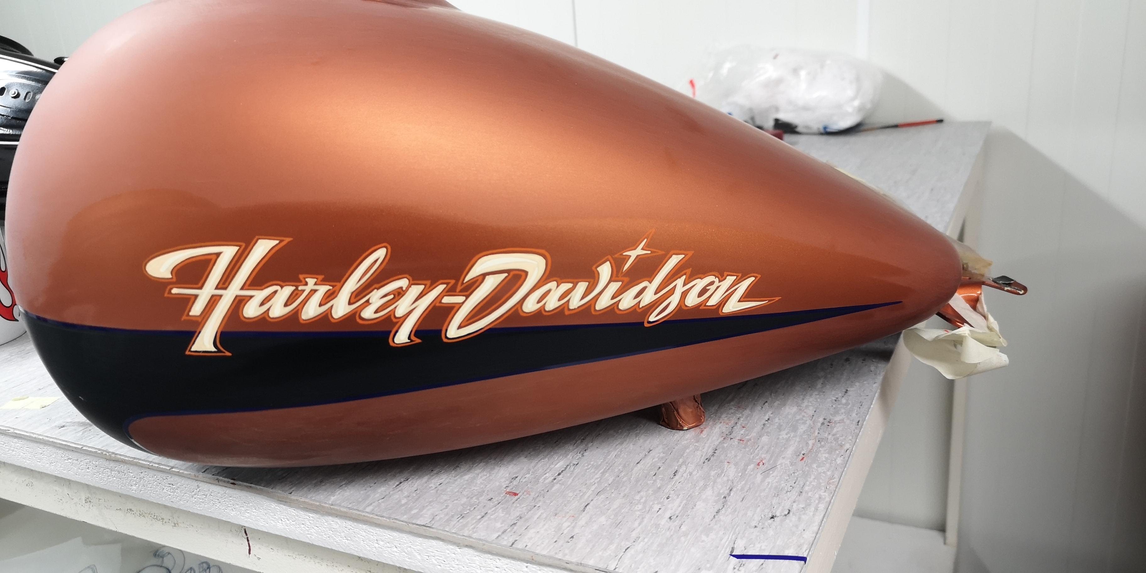 Harley trike tank lettering