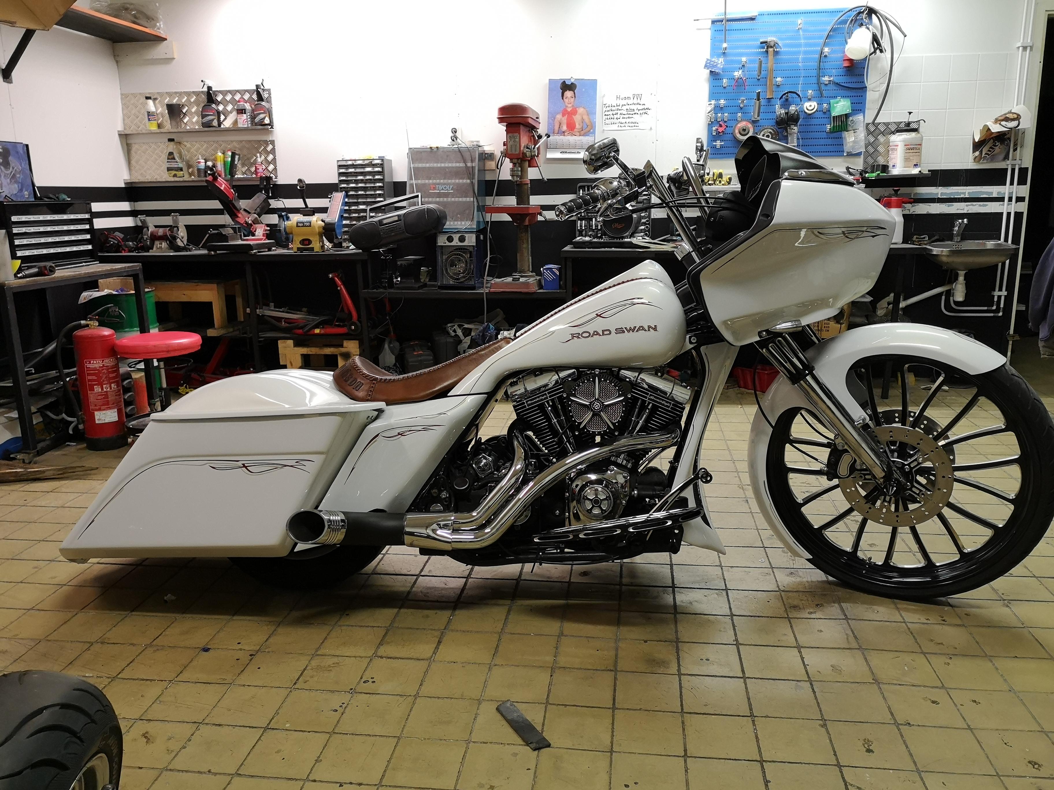 Road Swan Harley