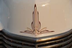 Art Deco -straipit 41 Cadillacissa - Art Deco Stripes on 41 Cadillac