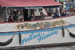 Ravintolalaiva Esposito Turussa  ja tatuointiteemaiset maalaukset-Esposito boat-tattoo style paintin