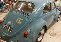 Scroll-kuviot ja raidat jotka kiertävät auton muotoja - Scrolls and panelstripes