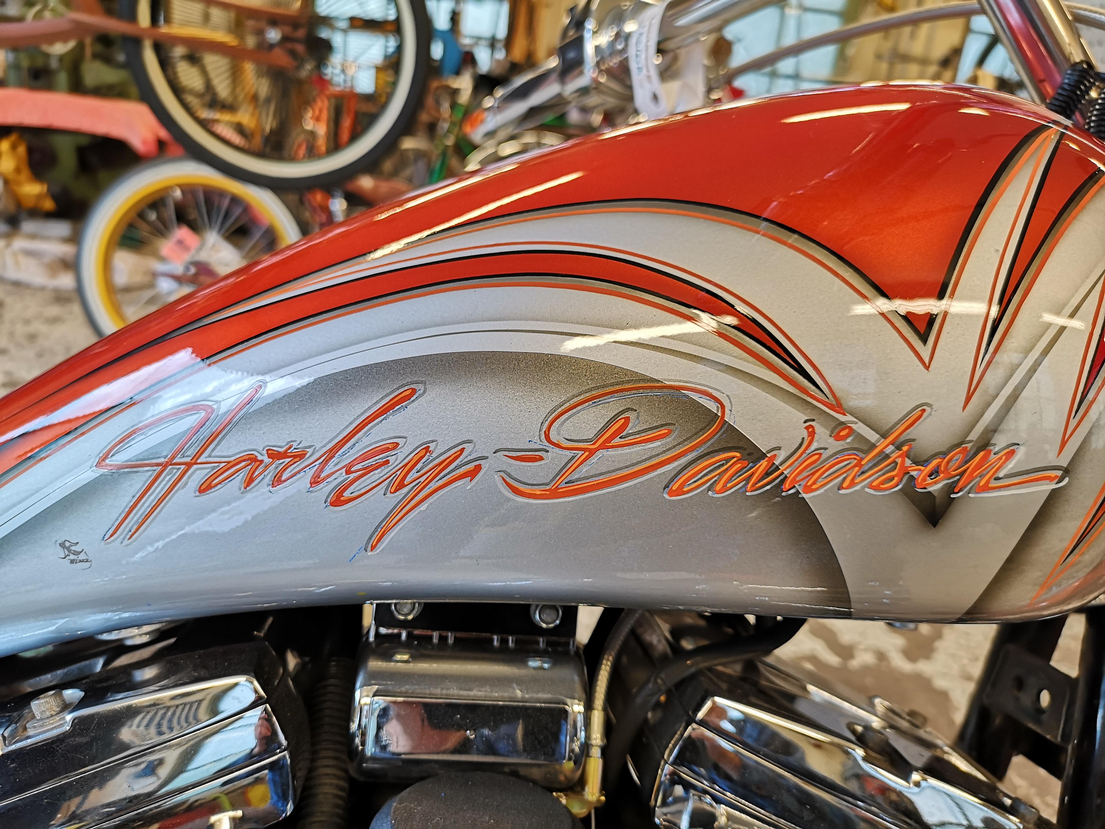 Harley custom tank 3D-lettering