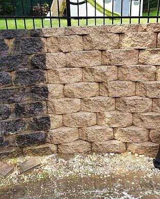 retaining wall pressure wash.jpg