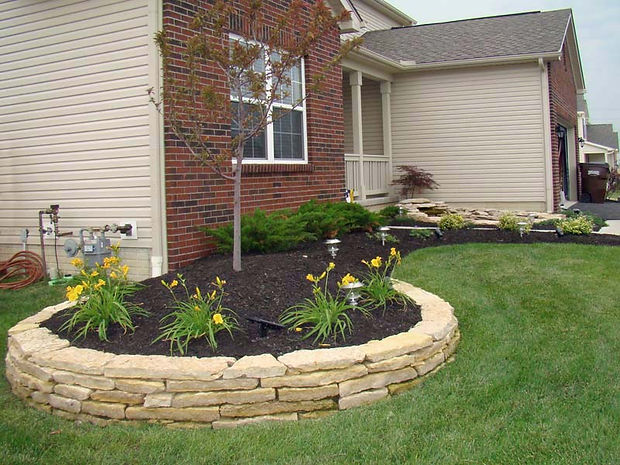 Landscaping Tri-States Dubuque mulch gravel lawn care snow removal sod bricks flowers pavers hedge trimming