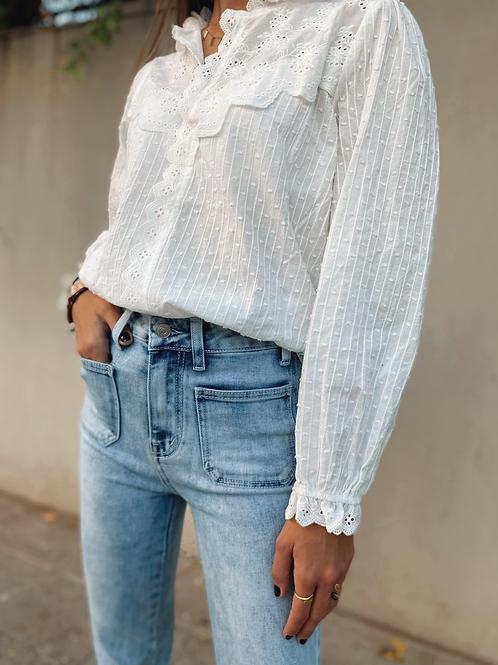 Blusa blanca detalles