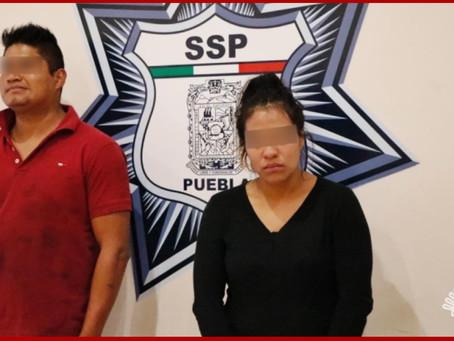 Detienen en Amozoc a dos presuntos ladrones de vehículos