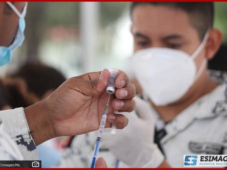 Llega a Puebla medio millón de vacunas de AstraZeneca y SinoVac, reporta Salud