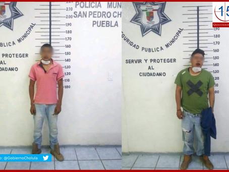 Evita policía de Cholula linchamiento de dos presuntos asaltantes