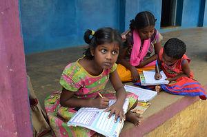 Enseigner orphelins Inde