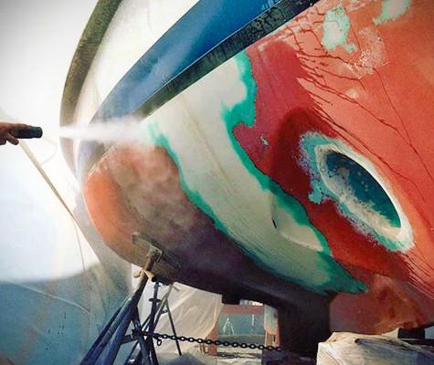 遊艇噴砂塗裝作業