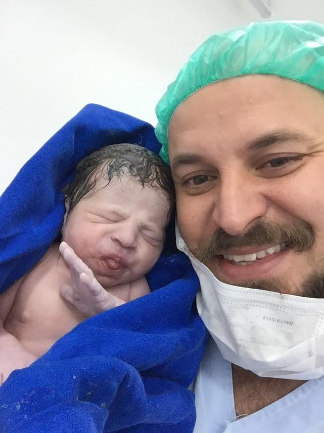Filho do ator Paulinho Serra nasce em São Paulo; veja as primeiras fotos!